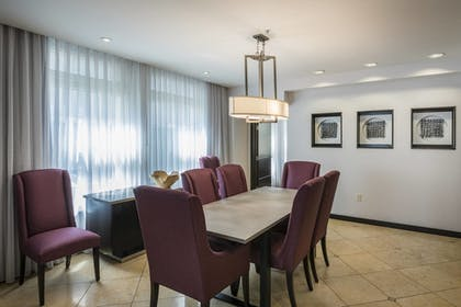 Guestroom | Courtyard by Marriott Tulsa Downtown