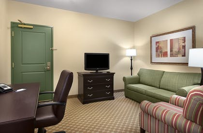 Living Room | Country Inn & Suites by Radisson, Concord (Kannapolis), NC