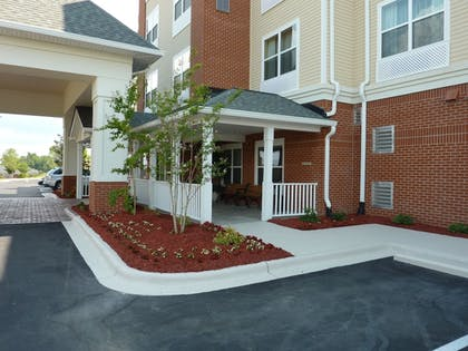 Property Grounds | Country Inn & Suites by Radisson, Concord (Kannapolis), NC