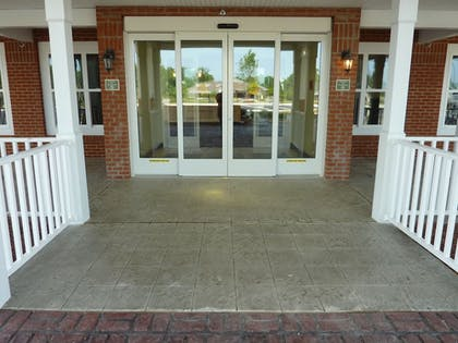 Hotel Entrance | Country Inn & Suites by Radisson, Concord (Kannapolis), NC