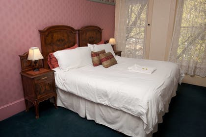 Guestroom | Palace Hotel & Bath House