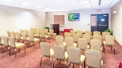 Meeting Facility | Holiday Inn Express & Suites Elkton - University Area