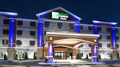 Featured Image | Holiday Inn Express & Suites Elkton - University Area