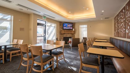 Breakfast Area | TownePlace Suites by Marriott Orem