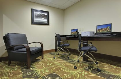 Business Center | La Quinta Inn & Suites by Wyndham Memphis Wolfchase