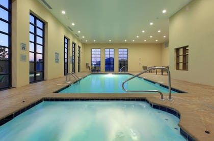 Pool | La Quinta Inn & Suites by Wyndham Memphis Wolfchase