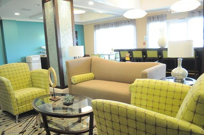 Lobby | Holiday Inn Express Hotel & Suites Rockport