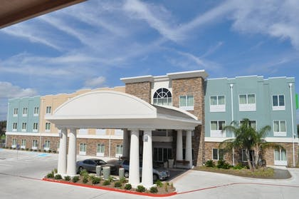 Exterior | Holiday Inn Express Hotel & Suites Rockport