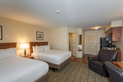 Guestroom | Candlewood Suites Downtown