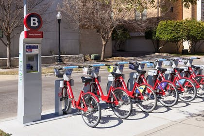 Bicycling | TownePlace Suites by Marriott Fort Worth Downtown