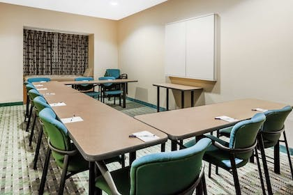 Meeting Facility | Microtel Inn & Suites by Wyndham Dickson City/Scranton