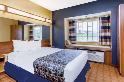 Room | Microtel Inn & Suites by Wyndham Dickson City/Scranton
