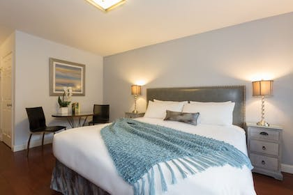 Guestroom | The Lodge At Blue Lakes