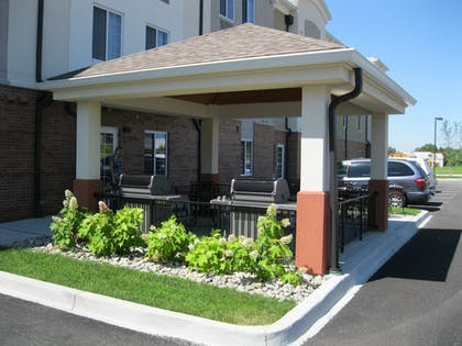 BBQ/Picnic Area | Candlewood Suites Radcliff - Fort Knox