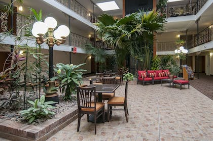 Property Grounds | Governor's Suites Hotel Oklahoma City Airport Area