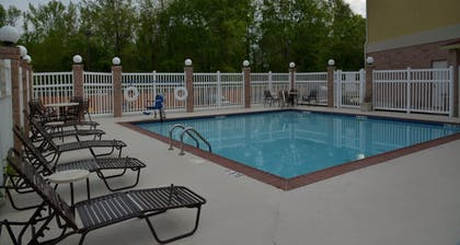 Pool | Holiday Inn Express Hotel & Suites Baton Rouge North