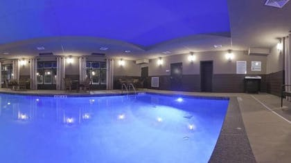 Outdoor Pool | Holiday Inn Express Hotel & Suites Fulton