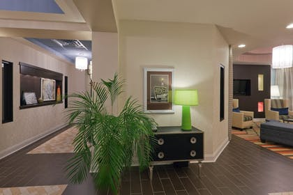 Interior | Holiday Inn Express Hotel & Suites Fulton