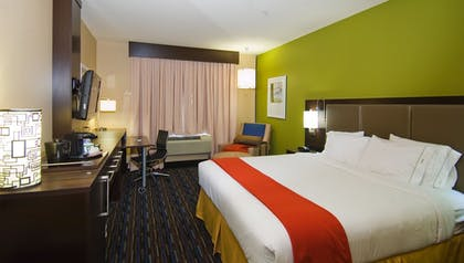 Guestroom | Holiday Inn Express Hotel & Suites Fulton