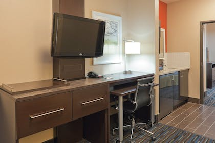 Room | Holiday Inn Express Hotel & Suites Fulton