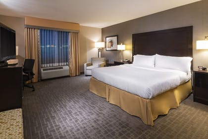 Guestroom | Holiday Inn Express Hotel & Suites Hays