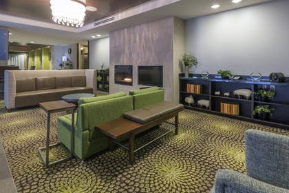 Lobby | Holiday Inn Express Hotel & Suites Hays