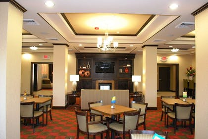 Restaurant | Holiday Inn Express & Suites Houston South near Pearland
