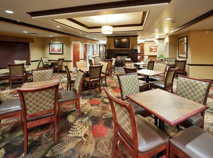 Restaurant | Holiday Inn Express Hotel & Suites Great Falls