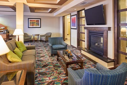 Lobby Sitting Area | Holiday Inn Express & Suites El Paso Airport Area