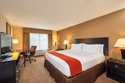 Room | Holiday Inn Express & Suites El Paso Airport Area