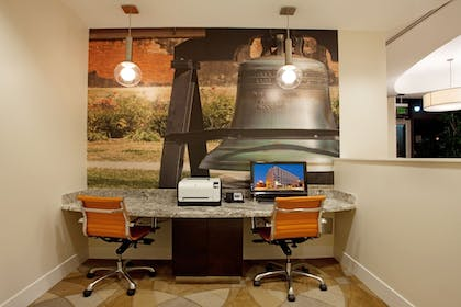 Business Center | Hotel Indigo Baton Rouge Downtown