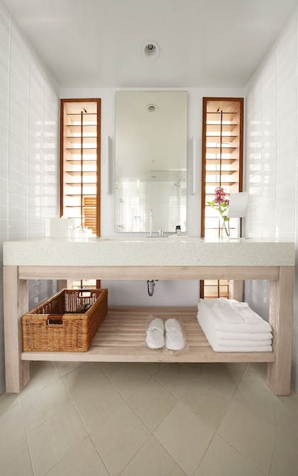 Bathroom | The Modern Honolulu