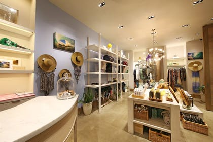 Gift Shop | The Modern Honolulu
