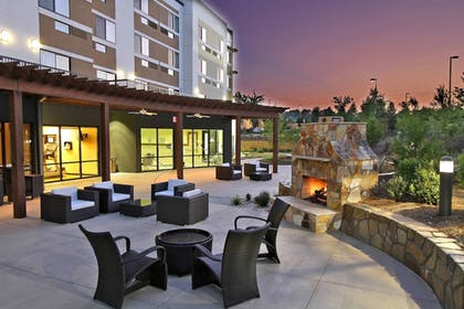 Terrace/Patio | Courtyard by Marriott Raleigh North/Triangle Town Center