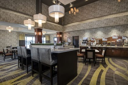 Restaurant | Holiday Inn Express & Suites Conway