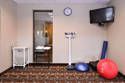 Fitness Facility | Holiday Inn Express and Suites Fairmont