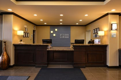 Interior Entrance | Holiday Inn Express and Suites Fairmont