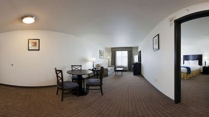 Living Room | Holiday Inn Express & Suites Omaha I-80