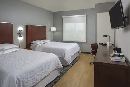 Guestroom | Four Points by Sheraton Houston Hobby Airport