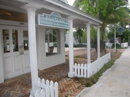 Hotel Entrance | Paradise Inn Key West-Adults Only