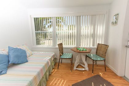 Guestroom | Gulf Breeze Cottages