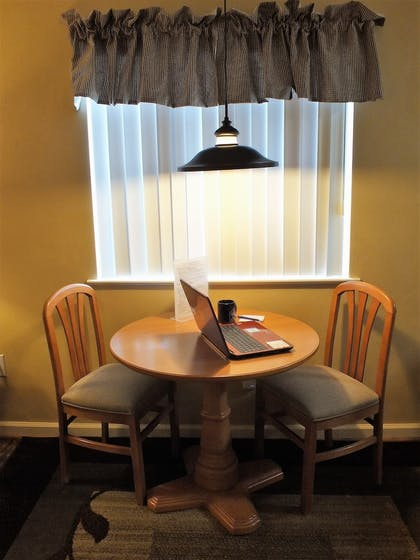 In-Room Dining | Affordable Corporate Suites of Waynesboro