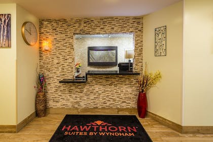 Check-in/Check-out Kiosk | Hawthorn Suites by Wyndham St. Robert
