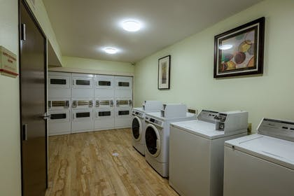 Laundry Room | Hawthorn Suites by Wyndham St. Robert