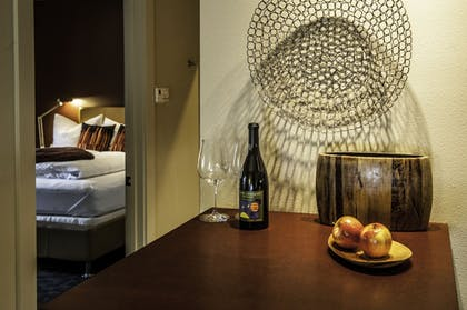 In-Room Dining | The Cedar House Sport Hotel