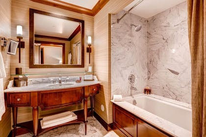 Bathroom | Private Residences inside the Ritz Carlton Bachelor Gulch