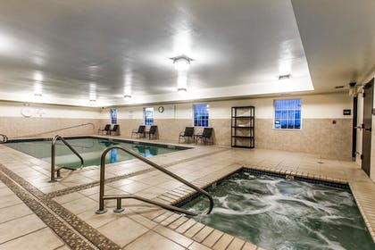 Indoor Spa Tub | Evangeline Downs Hotel, an Ascend Hotel Collection Member