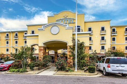 Front of Property | Evangeline Downs Hotel, an Ascend Hotel Collection Member