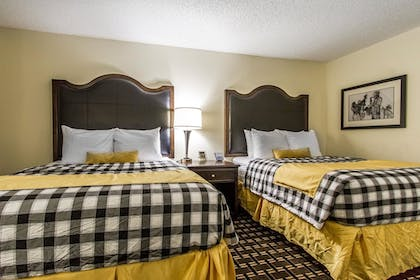 Room | Evangeline Downs Hotel, an Ascend Hotel Collection Member