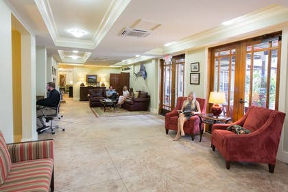 Lobby Sitting Area | The Inlet Sports Lodge